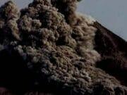 Letusan Gunung Agung Bertipe Freatik