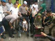 Jum'at Barokah Pekanbaru Sambangi Rumah Nenek Pedagang Peyek Keliling